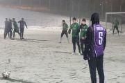 Śnieżny sparing w Tomaszowie